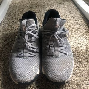 Nike Men's Grey Running Shoes